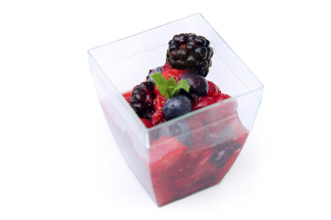 Mini rode vruchtensalade