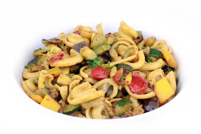 Pastasalade met provençaalse groenten