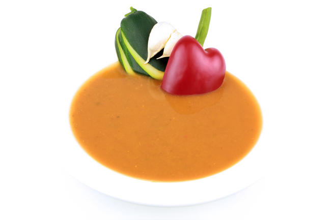 Provençaalse soep met verse basilicum