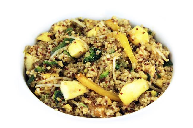 Quinoa salade mango & wokgroenten